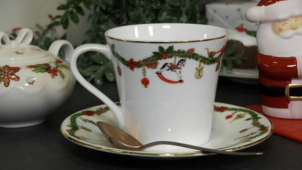 božićna-šalica-mobel-land-domnakvadrat