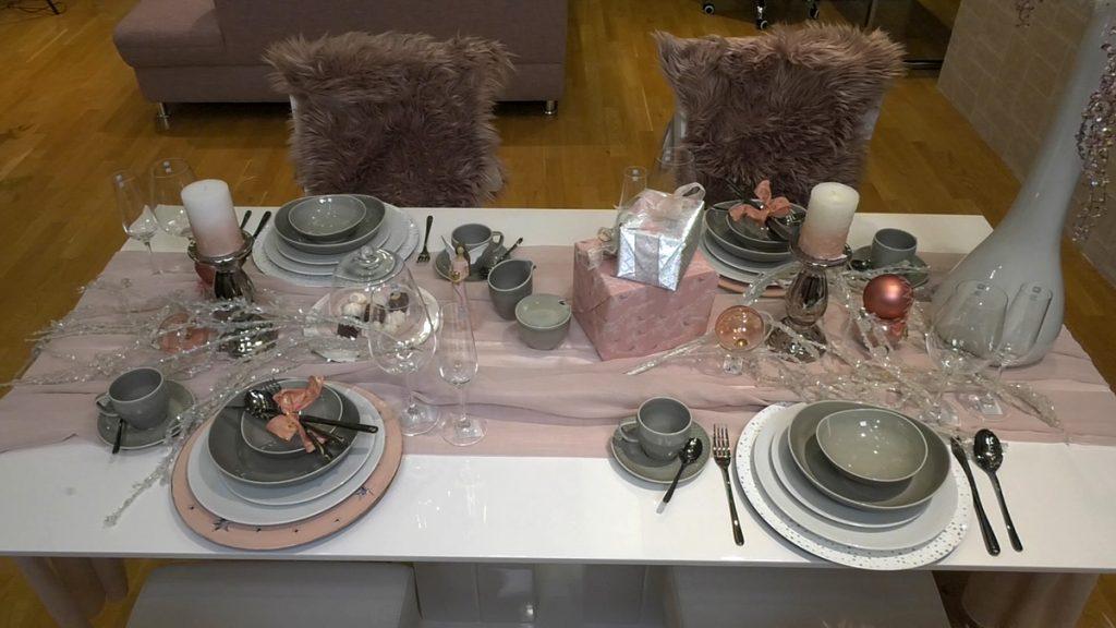 stol-za-svečane-prigode-roze-dekoracije-mobel-land-domnakvadrat