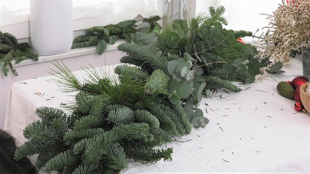 dodavanje-biljaka-na-girlandi-dea-gajdek-domnakvadrat