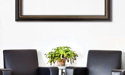 božićni-kaktus-na-stolu-domnakvadrat