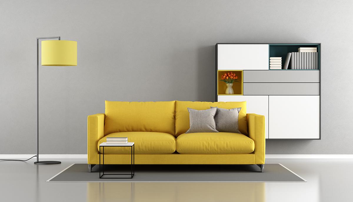 žuti-trosjed-sivi-zid-domnakvadrat