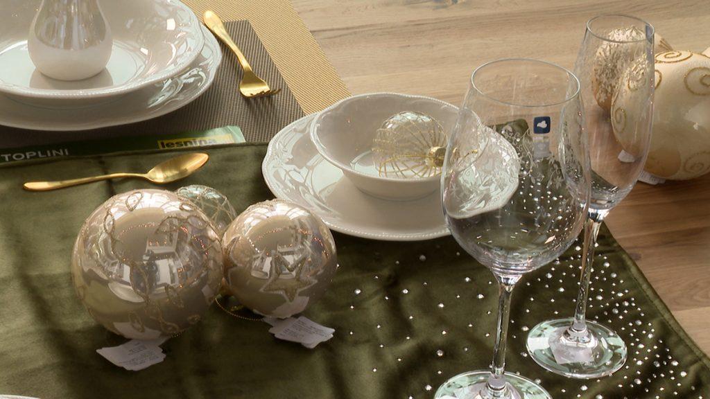 svečani-novogodišnji-stol-ukrasi-lesnina-xxxl-domnakvadrat