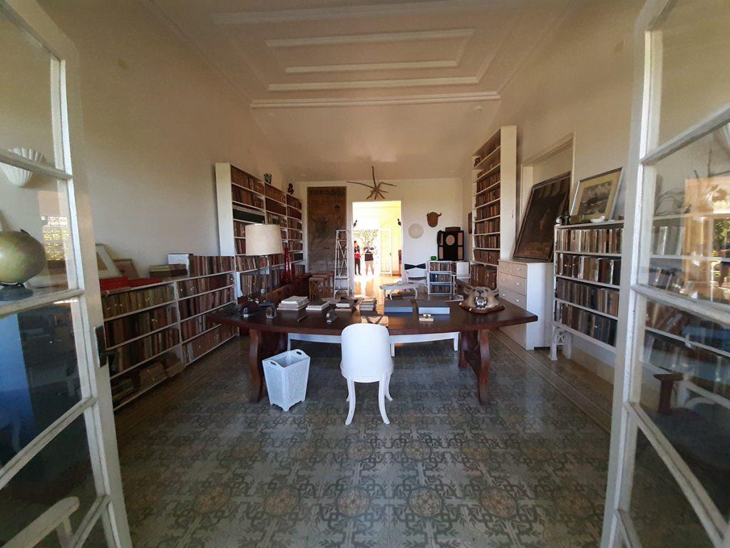 biblioteka-ernest-hemingway-kuba-domnakvadrat