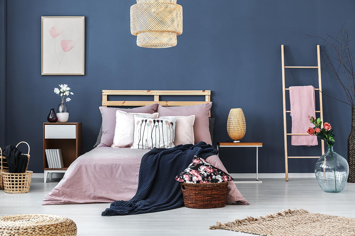 indigo-plava-spavaća-soba-domnakvadrat