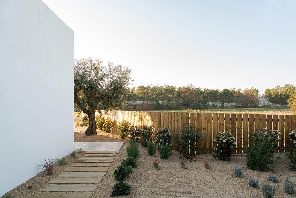 moderni-minimalistički-vrt-domnakvadrat
