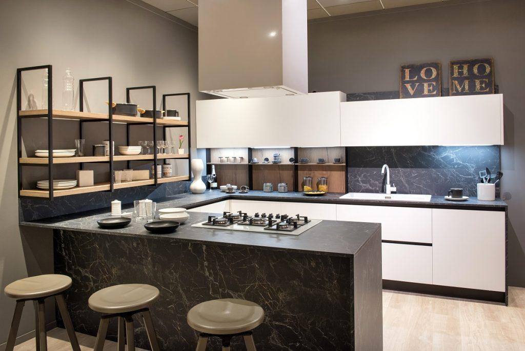 kuhinja-crno-bijela-mat-slavina-domnakvadrat
