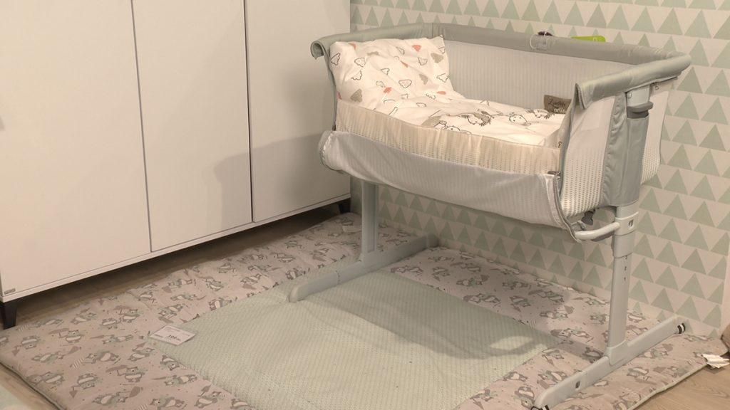 praktični-krevet-za-bebe-lesnina-xxxl-domnakvadrat