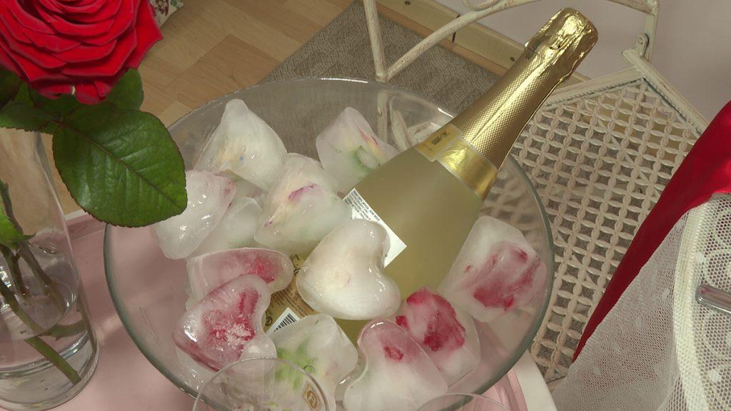 šampanjac-led-u-obliku-srca-dea-gajdek-domnakvadrat