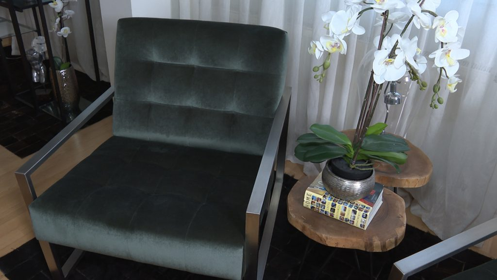 baršun-stolac-klub-stolić-indiralevakdizajn-domnakvadrat