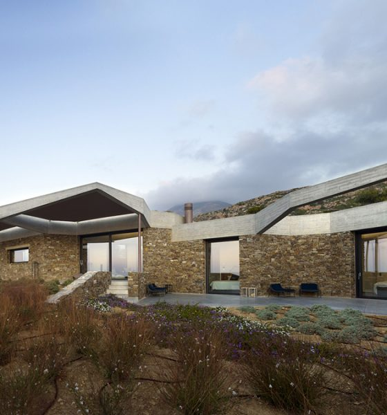 kamena-kuća-terasa-grčka-domnakvadrat