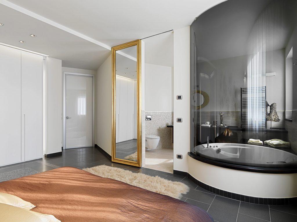 kupaonica-s-pogledom-u-sobu-domnakvadrat