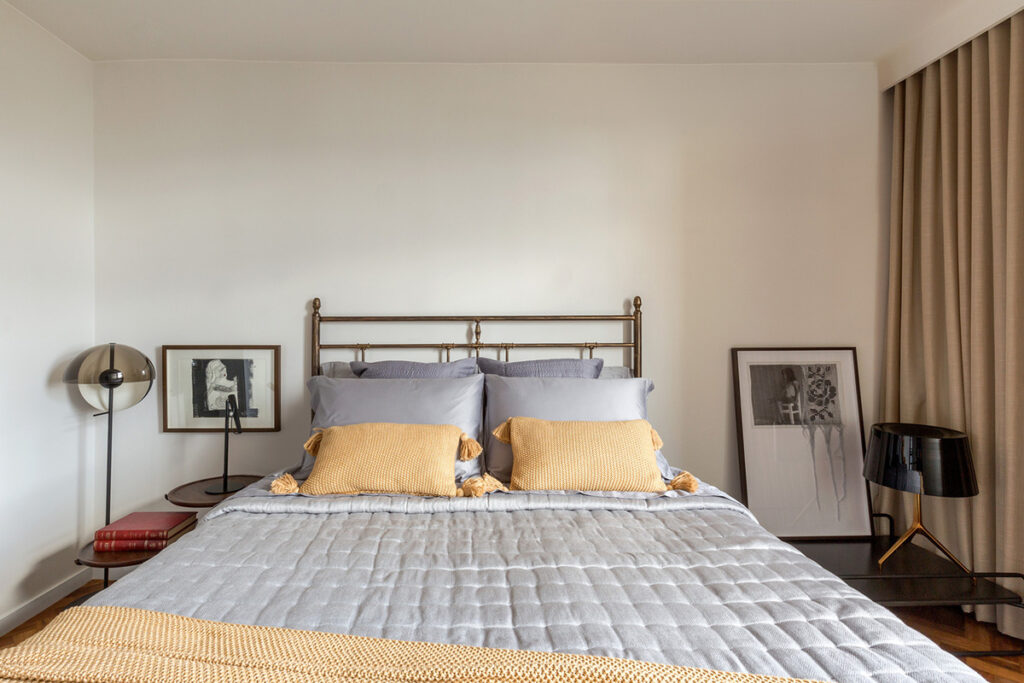 metalni-krevet-spavaća-soba-stan-brazil-domankvadrat