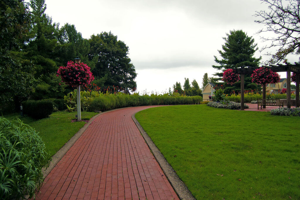vrtna-staza-opeka-domnakvadrat