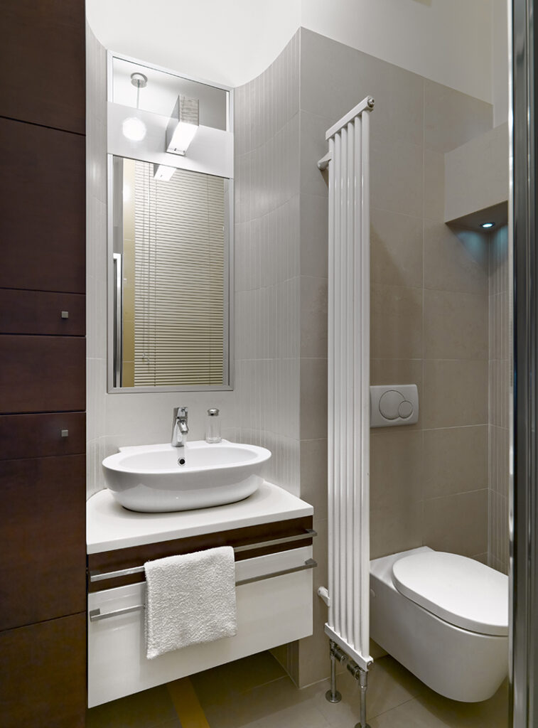 kupaonica-smeđi-detalji-domnakvadrat
