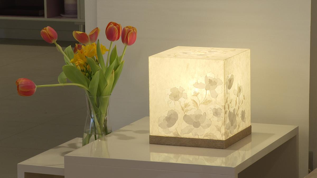 lampa-u-obliku-kocke-umjetnica-domnakvadrat