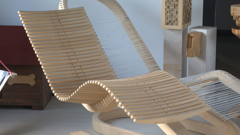 drvena-fotelja-grgur-domnakvadrat
