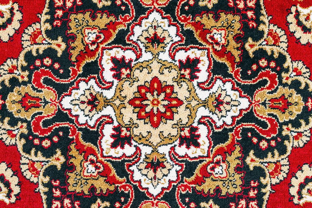 orijentalni-tepih-crveni-motivi-domnakvadrat