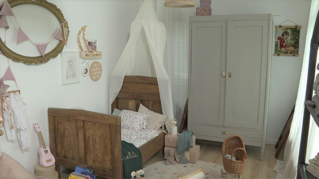 starinski-ormar-i-krevet-drveni-irki-domnakvadrat