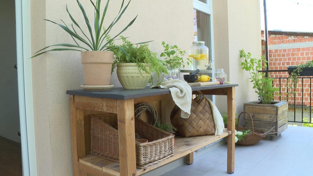 stol-za-posluživanje-krameraj-domnakvadrat