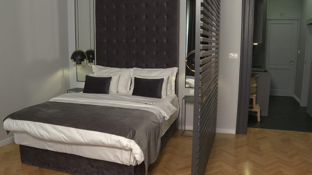 krevet-velur-uzglavlje-apartmani-domnakvadrat