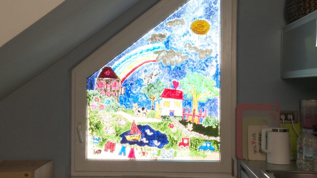 oslikani-kuhinjski-prozor-umjetnica-domnakvadrat