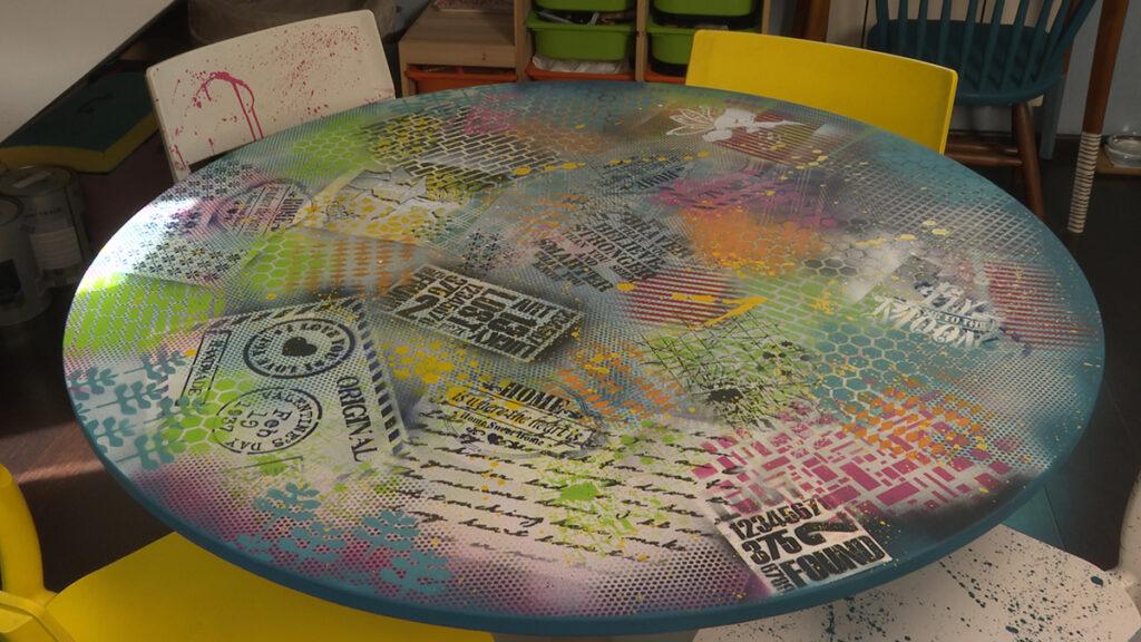 oslikani-stol-i-stolci-umjetnica-domnakvadrat