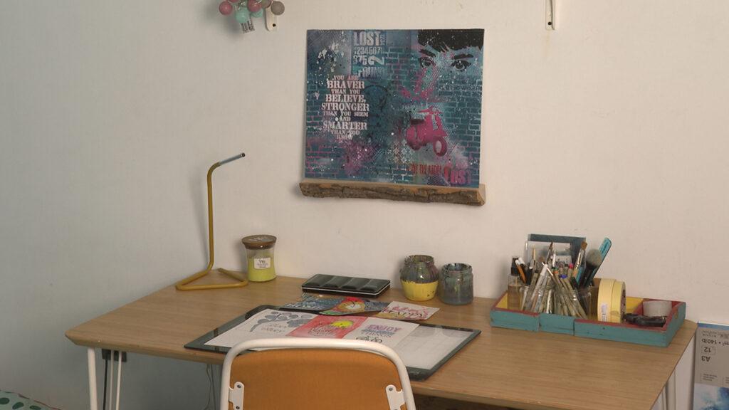 radni-stol-street-art-slika-umjetnica-domnakvadrat