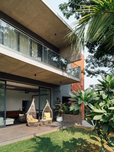 kuća-balkoni-vrt-indija-domnakvadrat