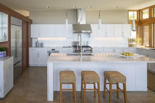 bijela-kuhinja-sad-domnakvadrat