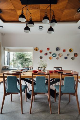blagovaonica-stol-stolice-kuća-indija-domnakvadrat
