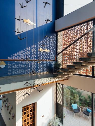 stepenice-zid-kuća-indija-domnakvadrat