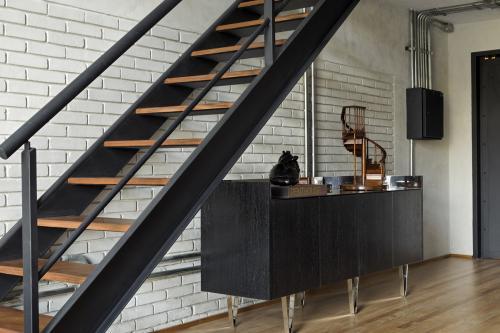 komoda-stepenice-potkrovlje-brazil-domnakvadrat