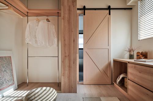 spavaća-soba-klizna-vrata-stan-tajvan-domnakvadrat