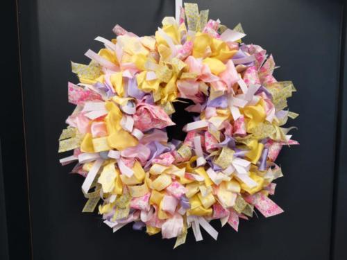uskrsni-ukras-cvjetni-vijenac-iris-mbm-vrtni-centar-domnakvadrat