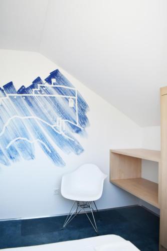preuredjenje-potkrovlja-tapison-spavaca-soba-domnakvadrat